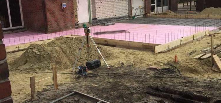 Die Arbeit geht weiter, der Beton kommt