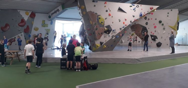 Der 4.Jg geht Klettern